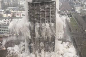 Sprengung des AfE-Turms in Frankfurt-Bockenheim