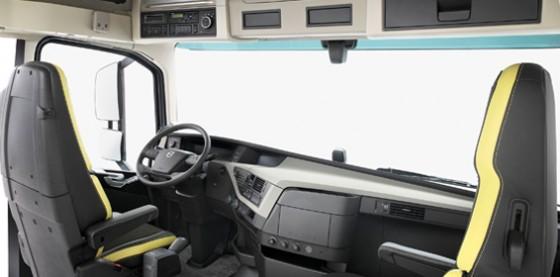 new-volvo-fh16-interior