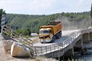 tehlikeli_köprü_ulaşıma_açıldı