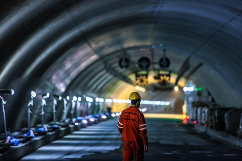 avrupa-tunelinde-zora-dogru
